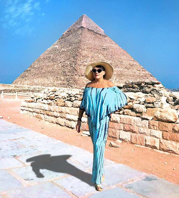 holiday-pyramid-social-travel
